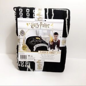 New Harry Potter Hogwarts Castle Plush Blanket